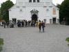 pred-cerkvijo-sv-trojice